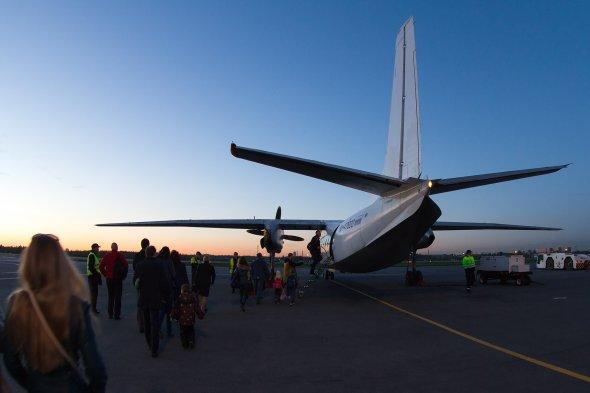 Die Antonov AN 24 von pskov Avia.  Foto: Bernd Karlik