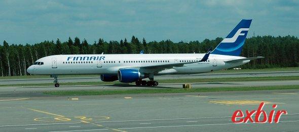 Eine Boeing 757-200 von Finnair am Flughafen von Helsinki. Finnair verfügt über das dichteste Streckennetz, ist aber nicht der preisgünstigste Anbieter von Inlandsflügen in Finnland. Foto: Christian Maskos