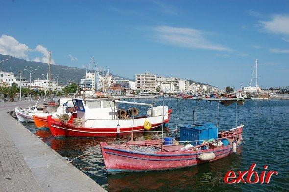 Malerische Fischerboote im Hafen von Volos.  Foto: Christian Maskos
