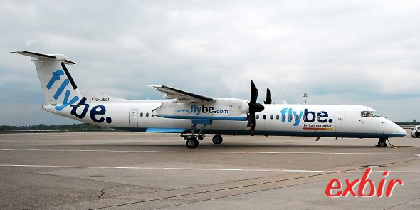 Eine Dash 8Q-400 von Flybe. Foto: Christian Maskos