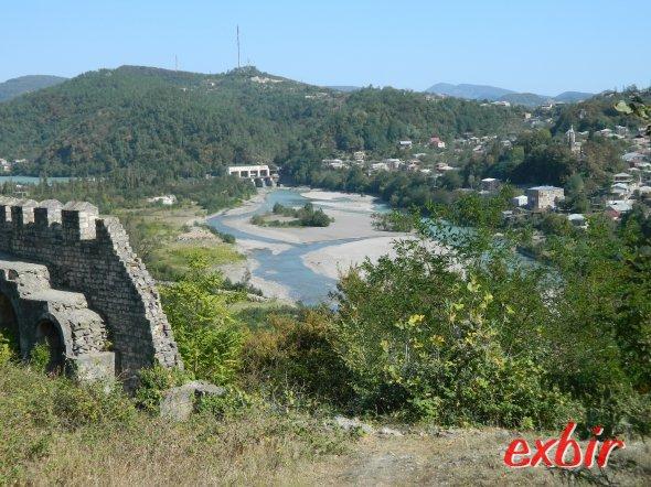 Landschaft rund um Kutaisi.  Foto: Christian Maskos