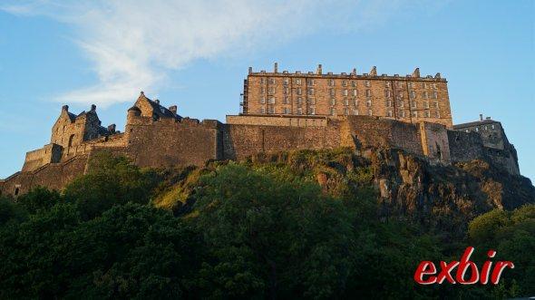 Die namensgebende Burg von Edinburgh.   Foto: Christian Maskos