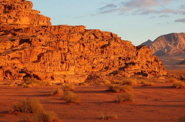 Die farbige Wüste Wadi Rum in Jordanien