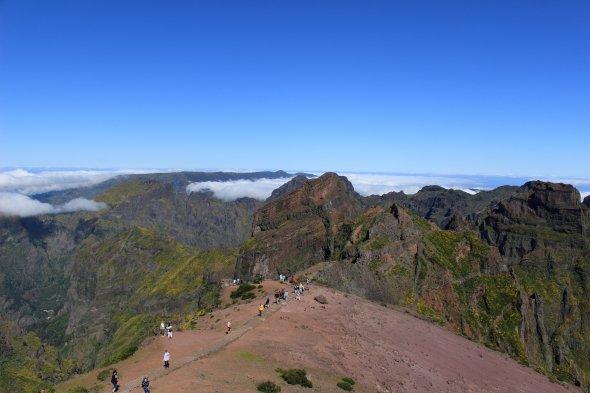 Wanderer am Pico do Arieiro auf Madeira.
