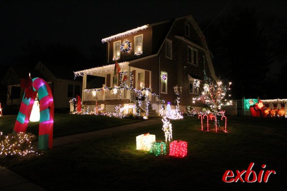 Wonderfull Christmas Decoations in New Jersey.  photo:  Maskos