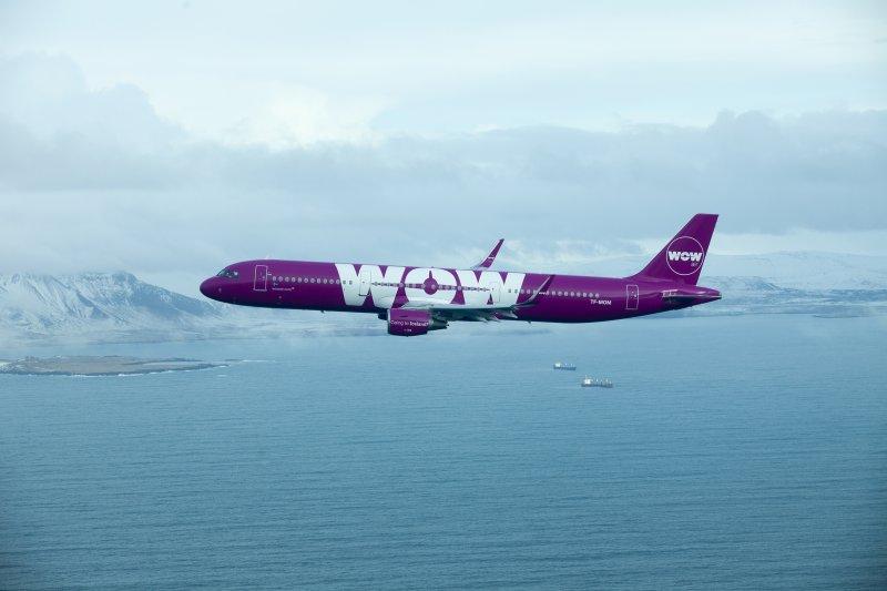 WOW A321 über Island