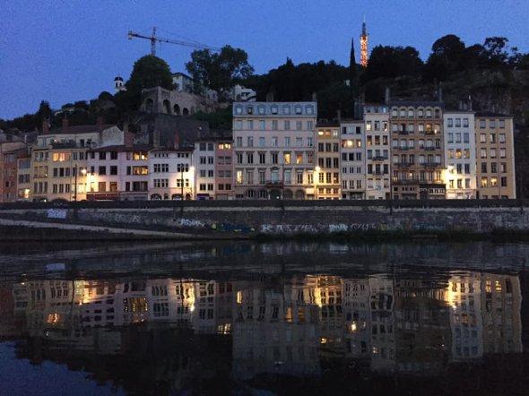 Abendstimmung am Ufer der Rhone in Lyon.