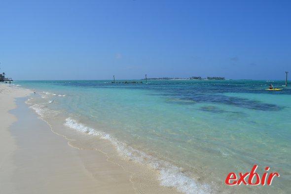 Traumstrände der Karibik, hier Cable Beach auf den Bahamas.  Foto: Christian Maskos