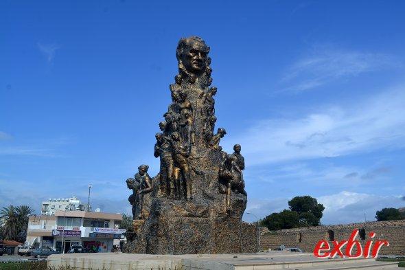 Atatürk-Monument in Famagusta erinnert an die gefallenen des Zypern-Krieges.  Foto: Christian Maskos