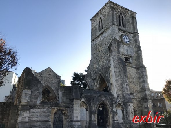 Holyrood Church Southampton. Exbir Travel, Foto. M. Maeusezahl