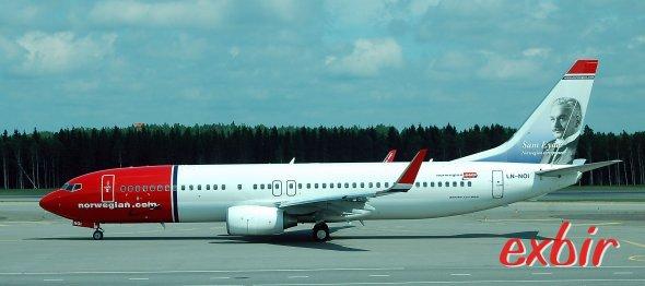 Eine Boeing 737-800 von Norwegian Air Shuttle am Flughafen von Helsinki. Für billige Inlandsflüge in Finnland ist Norwegian oft die erste Adresse. Foto: Christian Maskos