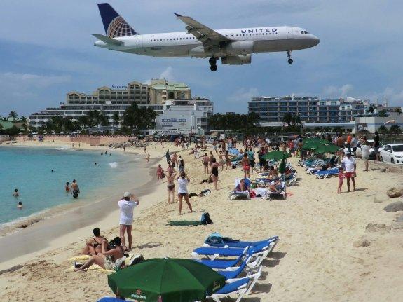 Maho Beach auf St. Maarten. Foto: Wolfgang Hesseler