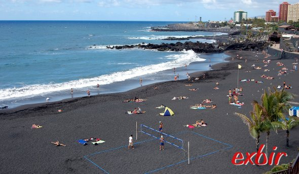 Strand in Puerto de la Cruz auf Teneriffa. Foto: Christian Maskos