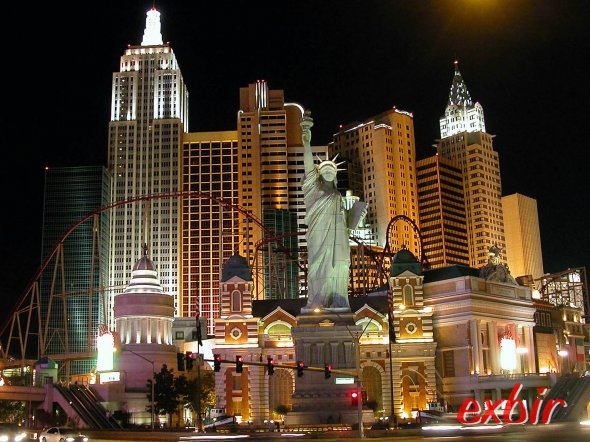 Abendlicher Blick auf das KAsino New York New York am Strip in Las Vegas. Foto: Christian Maskos