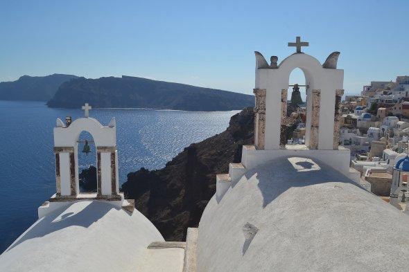 Blick auf den blaue Caldera von Santorin, Griechenland