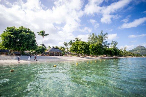 Glasklares Wasser auf Mauritius