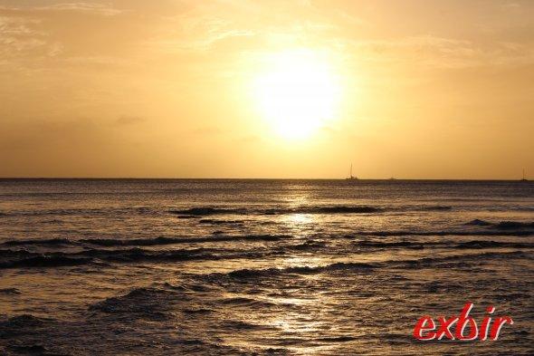 Sonnenuntergang vor Waikiki.
