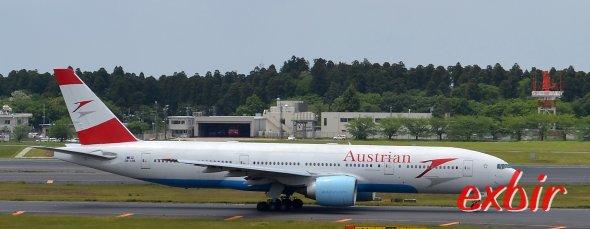 Eine Boeing 777 von Austrian Airlines in Tokyo-Narita.  Foto: Christian Maskos