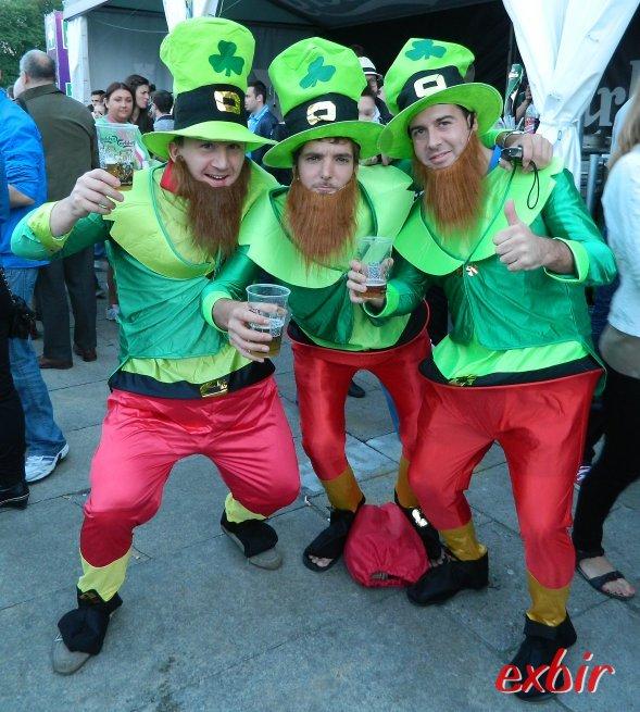 Auch wenn der sportliche Erfolg ausblieb: Die irischen Fans hatten sichtlcih Spaß in Warschau. Foto: Christian Maskos