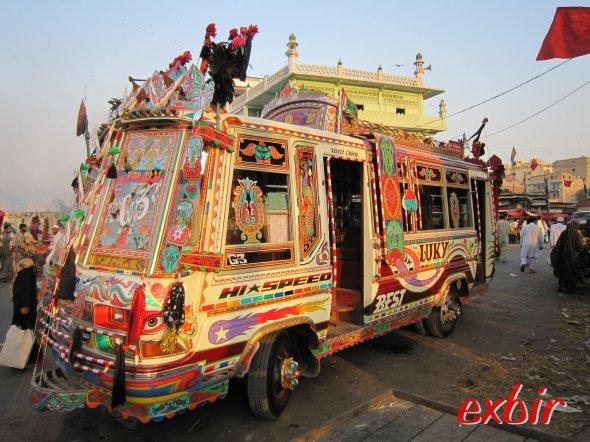 Die Busse sind sehr schön aufgemotzt ©FlyWolf
