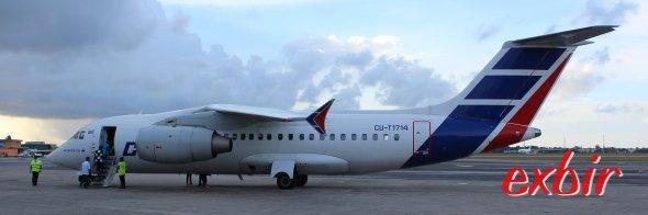 Eine Antonov von Cubana am Flugahfen von Havanna.