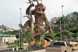 Ecuador. Guayaquil. We are about to see a famous statue, known as Monkey Machín Sculpture.