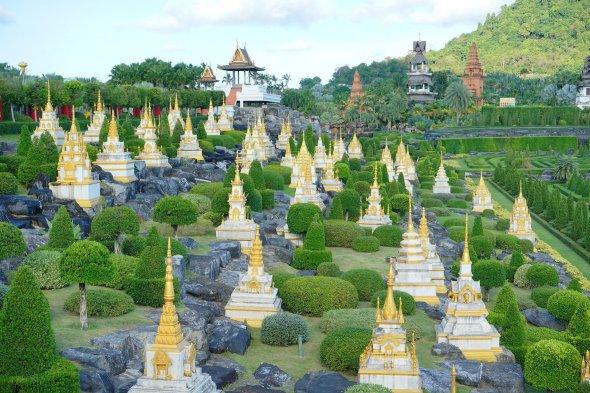 Der tropische botanische Garten Nong Nooch.