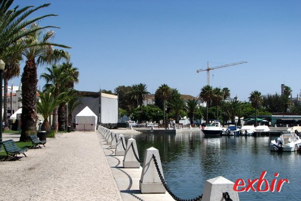 Blick auf den Hafen von Faro Foto: Christian Maskos