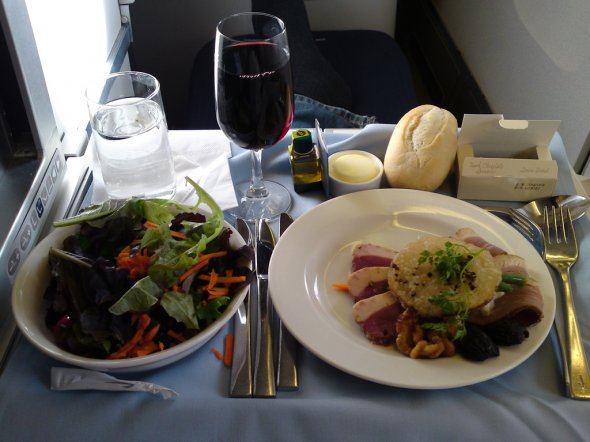 Eine Mahlzeit in der Club World Business Class bei British Airways