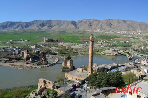 Die antike Brücke von Hasankeyf. Foto: Christian Maskos