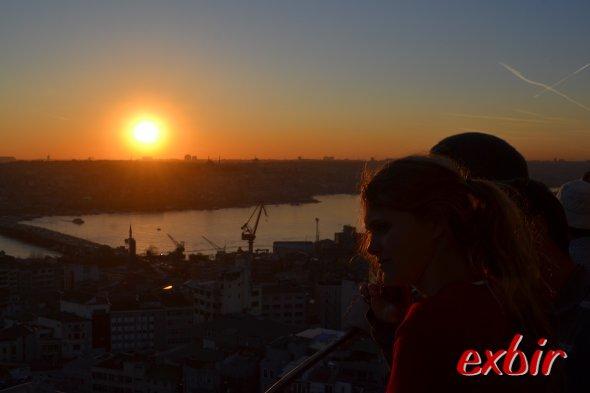 Sonnenuntergang über dem alten europäischen Teil istanbuls - Blick vom Galata-Tower.  Foto: Christian Maskos