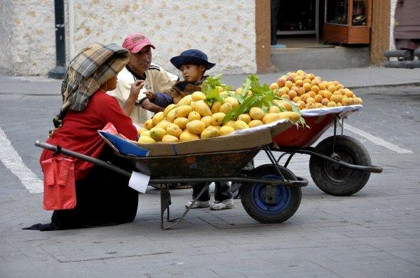 Süße Mangos zu verkaufen, Ecuador, Cuenca - Mango y durazno