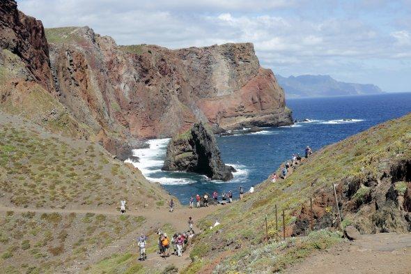 Madeira, Wanderer bei Canical. Urheber: Lukas Plewnia, creative commons (Namensnennung, Weitergabe unter gleichen Bedingungen)