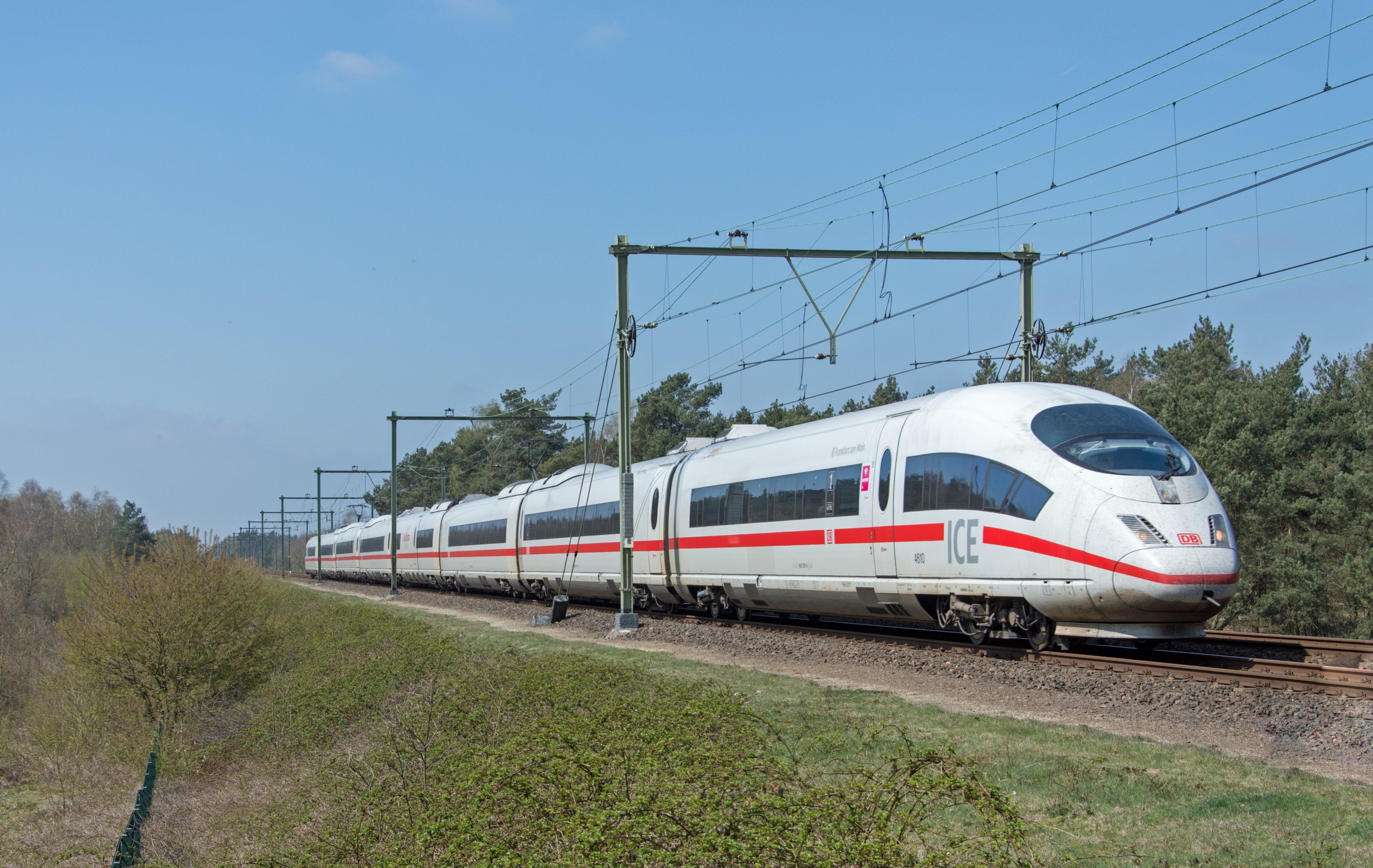 ICE der Deutschen Bahn. Urheber: Rob Dammers, Lizenz: creative commons (Namensnennung)