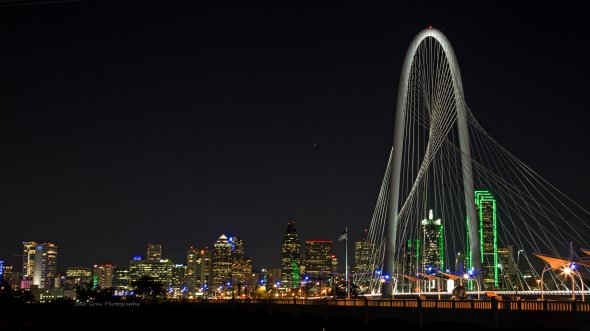Nächtliche Skyline von Dallas/Texas