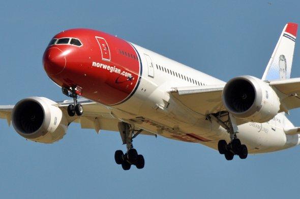 Ein Dreamliner der norwegischen Billigairline Norwegian. Einer der modernsten Flugzeuge der Welt.