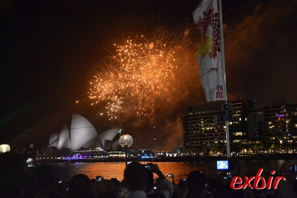 Silvester in Sydney: Feuerwerk um 21:00 Uhr zur Einstimmung.Foto:Christian Maskos