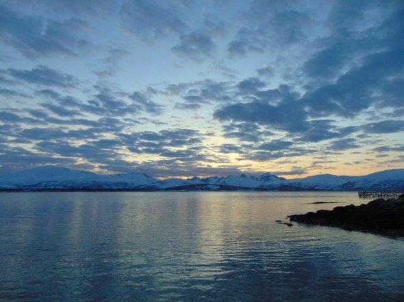 Traumhafte, endlos lange Sonnenuntergänge und Dämmerungen nördlich des Polarkreises.