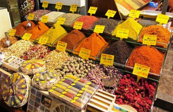 Auf dem spannenden Gewürzbasar von Istanbul