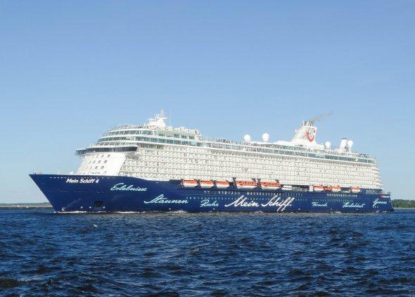 Schiff Ahoi! Mit der MeinSchiff 4 neue Ufer erleben. Mit dabei: Zahlreiche Getränke dank Premium All Inclusive wie u.a. Aperol Spritz