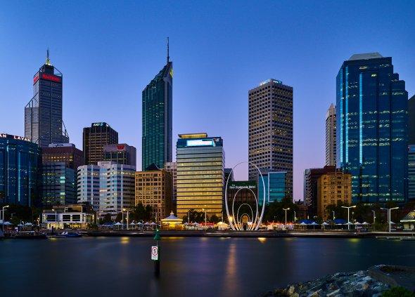 Die imposante Skyline von Perth in Australien