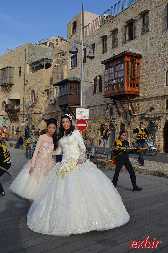 Bräute und frisch vermählte Ehepaare sieht man in den malerischen Gassen von Old Jaffa häufig beim Fotoshooting.  Foto: Christian Maskos