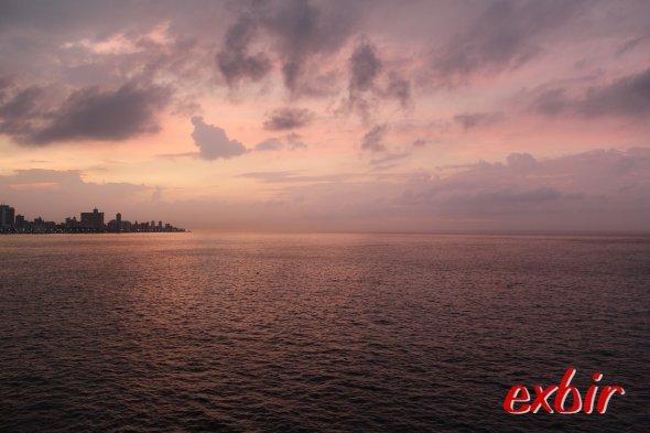 Sonnenuntergang in Havanna mit Blick auf Malecon.  Foto: Christian Maskos