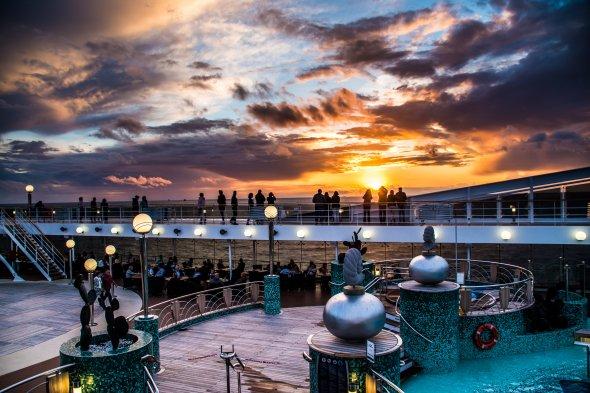 Sonnenuntergang auf der MSC Magnifica