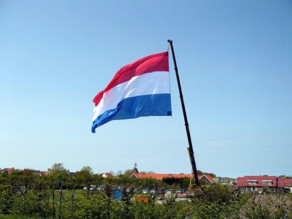 Eine niederländische XXL-Flagge