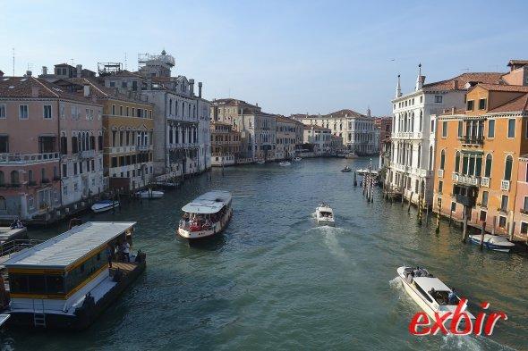 Verkehr auf dem Canale Grande in Venedig.  Foto: Christian Maskos