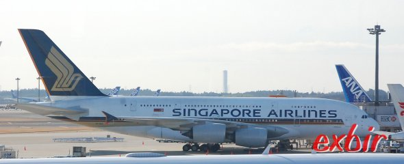 Ein A 380 von Singapore airlines in Narita.  Foto: Christian Maskos