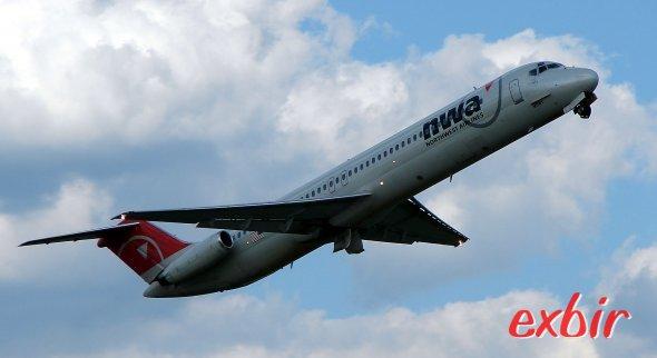 Eine Douglas DC 9 noch in Alter Northwest Lackierung.  Die DC 9 kam erst mit der Fusion zurück zu Delta, wo Sie zuvor von 1965-1993 geflogen wurde. Foto: Christian Maskos