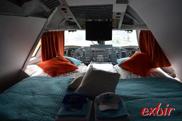 Eine ganz besondere Atmosphäre: Übernachten im Cockpit der  Boeing 747 im Jumbo Hostel in Stockholm-Arlanda.  Foto: Christian Maskos