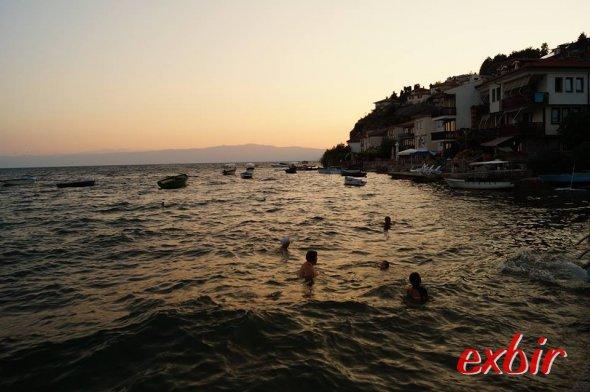 Sonnenuntergang am Ohridsee.  Foto: Christian Maskos